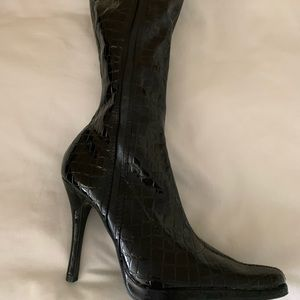 Black snake shin textured boots